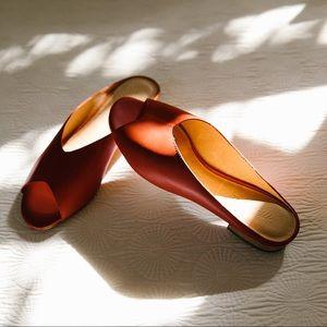 Tavi slide sandal in cinnabar
